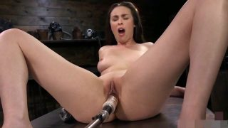 Hot Sarah Silverman loves being fucked in ass by machine – AI